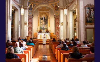 La messe de la Toussaint à Perryville, Missouri, USA