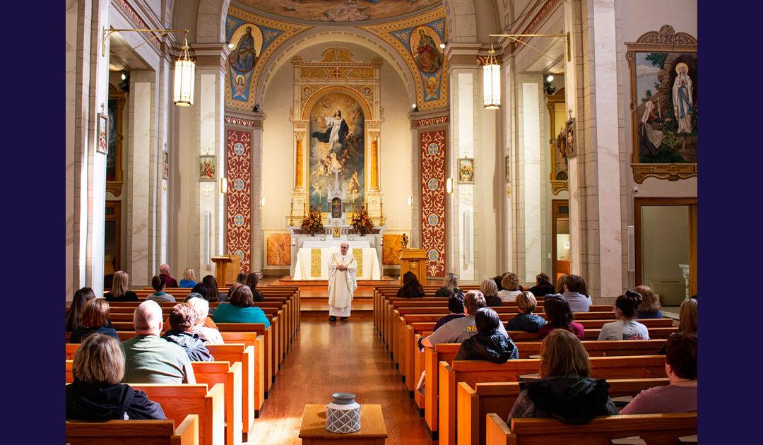 La Messa del giorno dei Morti a Perryville, Missouri, Stati Uniti d'America